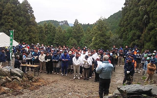 平成25年度 森と海の再生交流事業
